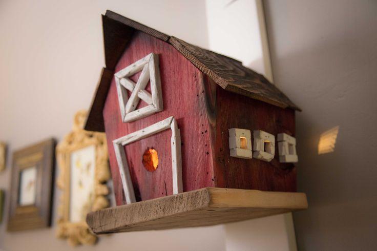 Nursery. Red barn birdhouse nightlight. LED.