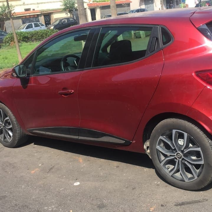 Location De Voiture Casablanca Renault Clio 4 Jazz Car Location De Voiture Casablanca Aeroport Mohammed V 605 Rue Goulmima 1er Etage N Car Door Car Suv