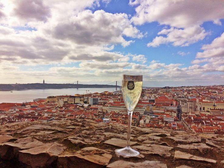 "anacfox: ""Wine with a view. #lisbon #lisboa #castelosaojorge #portugal #vinoverde #winewithaview"""