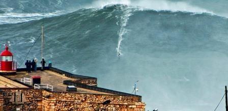 Record da maior onda surfada do Mundo volta a ser quebrado na Nazaré