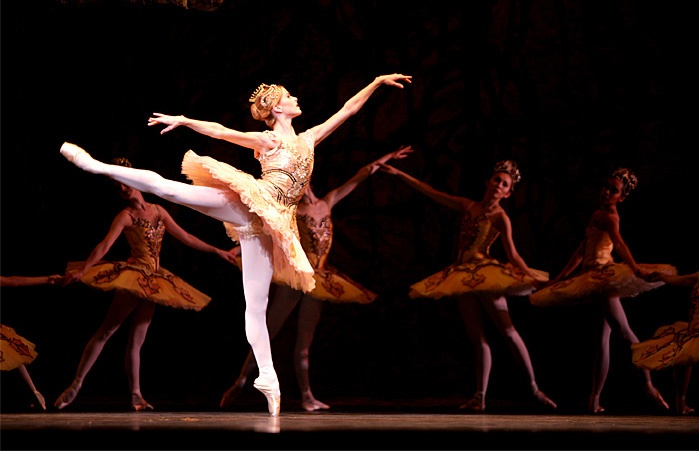 Heather Ogden and the National Ballet of Canada in Sleeping Beauty seeithearitliveit.wordpress.com
