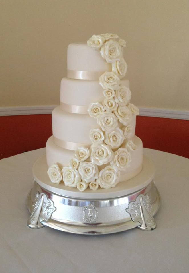 cascading roses wedding cake large ivory 4 tier wedding cake with cascading handmade 12431