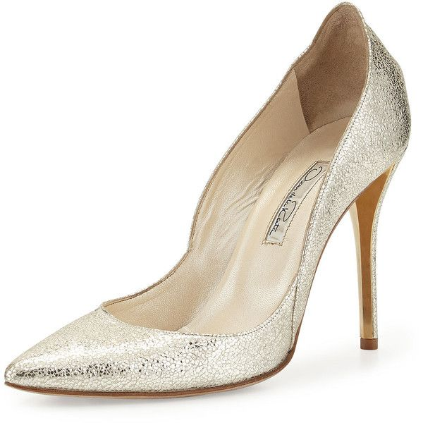 Oscar de la Renta Crinkled Metallic Leather Pump ($820) ❤ liked on Polyvore featuring shoes, pumps, heels, metallic shoes, high heel pumps, high heel shoes, leather shoes and leather pointed toe pumps