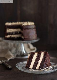 Una combinación de sabores ganadora es la que se encierra en esta tarta de chocolate con un toque de café, ya que estos dos ingredientes por sepa...