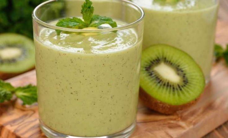 boissons-vertes kiwi spenót saláta