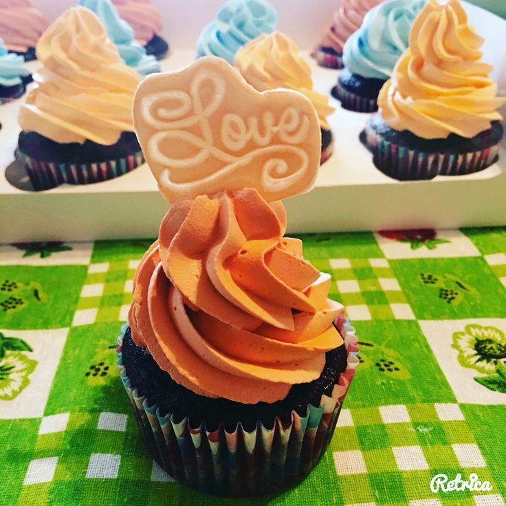 Cupcake de chocolate con betún de coco