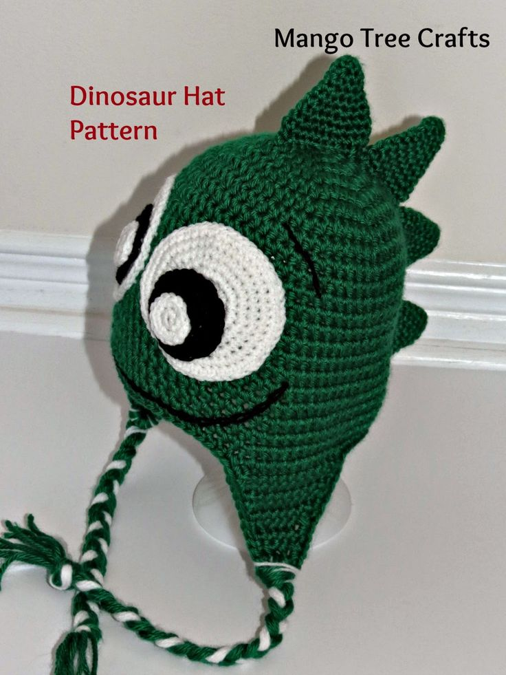 Free crochet pattern with sizing for infant through adult - dinosaur hat Make this in black and its TOOTHLESS!