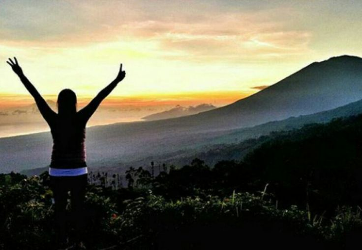 Batur caldera trekking is a program that is relatively easy hiking, it is for novice climbers do not