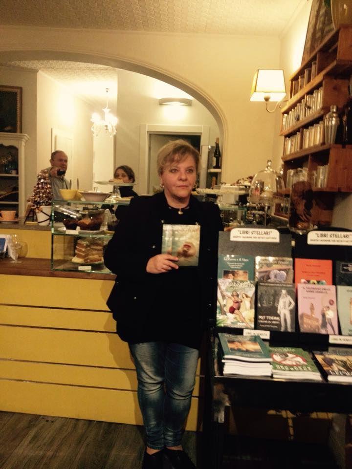 """Daniela Manetti con il suo libro """"Passionalità"""".  https://www.facebook.com/daniela.manetti.16"""