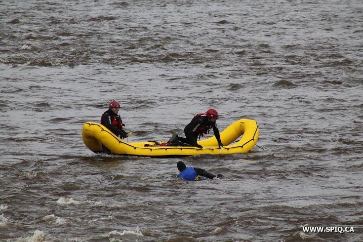 WWW.SPIQ.CA - ISauvetage nautique au 5300 Boul. Sainte-Anne à Québec  1 novembre 2013