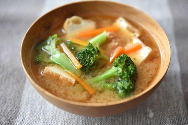 """ブロッコリーは""""風味の強い野菜""""なので、根菜や、厚揚げや卵などと合わせると美味しい~"""