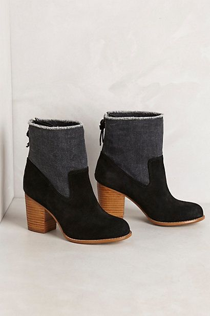 Leon Ankle Boots - Perfect with jeans and chunky sweater.