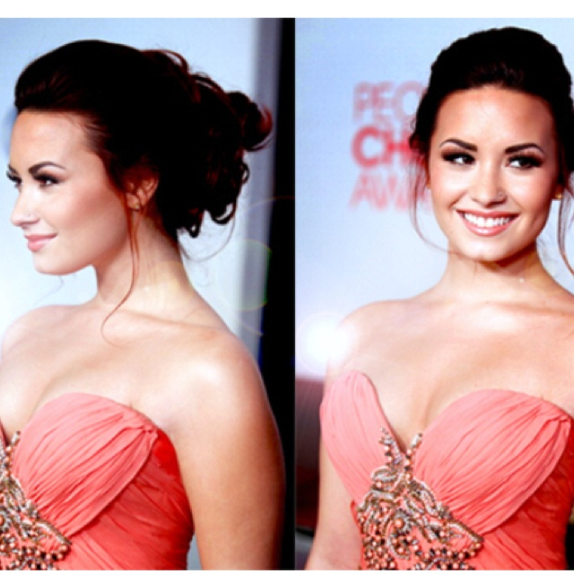 Demi Lovato hair and dress