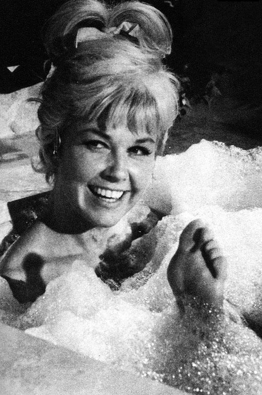 Doris Day FAVORITE MOVIE ALL OF THEM FAVORITE SONG ANYTHING SHE SINGS