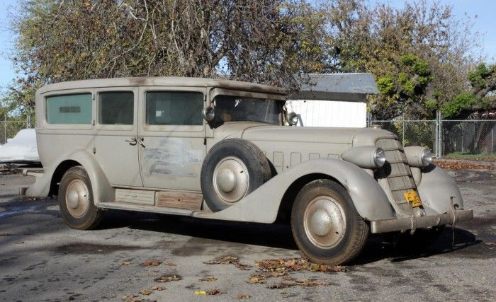 Cadillac V-16 ambulance