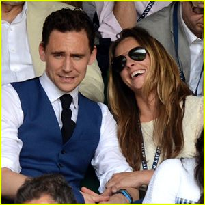 Tom Hiddleston at Wimbledon with his... his... *hard swallow followed by a sigh of sadness* girl... girlf... girlfrend Jane Arthy. *collapses into a ball and starts crying* Oh well... at least Benedict is still single *fingers crossed!*