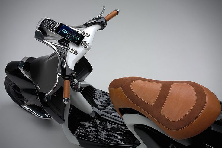 Yamaha-Runway-04Gen-Scooter-1-6