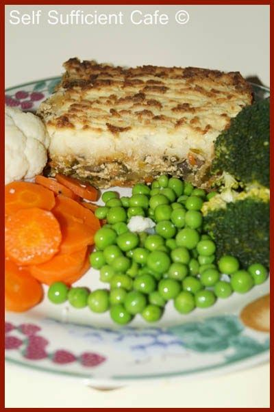 Self Sufficient Cafe: Tofu Thatched Pie
