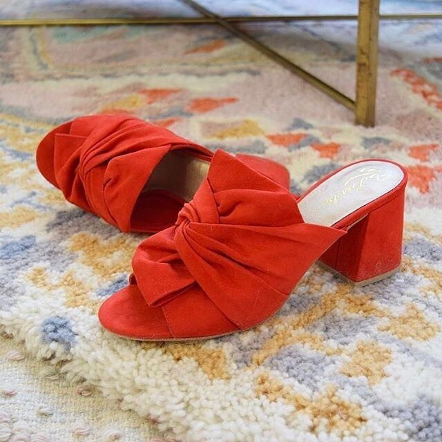 Do By Seychelles Palma Mules. Shoes with traffic-stopping powers. ~ETS #red