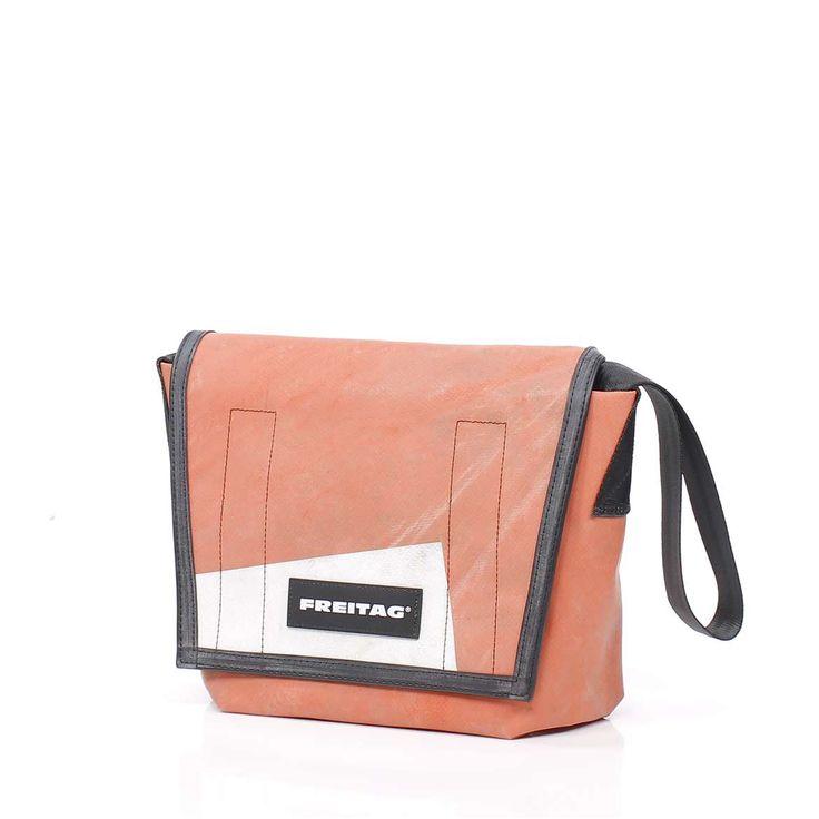 http://www.freitag.ch/Fundamentals/Messenger-Bags/LASSIE/p/F11_03699
