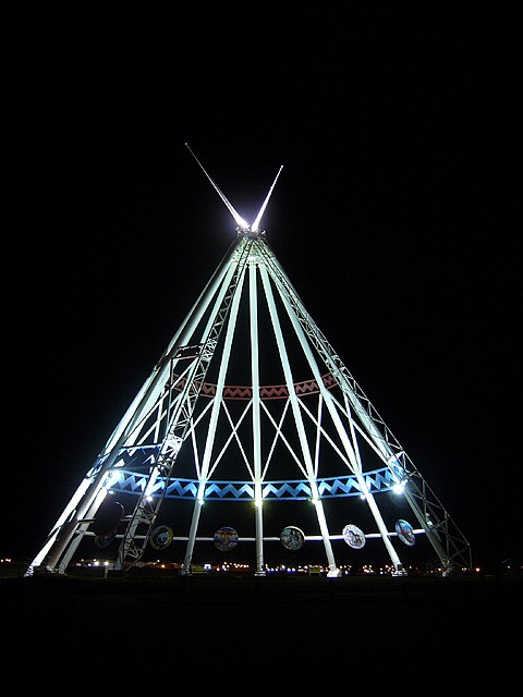Saamis Teepee - Medicine Hat AB by Greg Trott, via Flickr