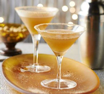 This clever cocktail packs all the classic flavours of spiced, fruity mincemeat into a perfect Christmas party cocktail