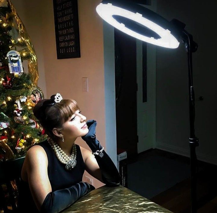 Socialite 12 Inch Led Ring Light Kit Incl Ring Light 6 Foot Stand Dslr Iphone Mount Remote In 2020 Led Ring Light Socialite All Smartphones