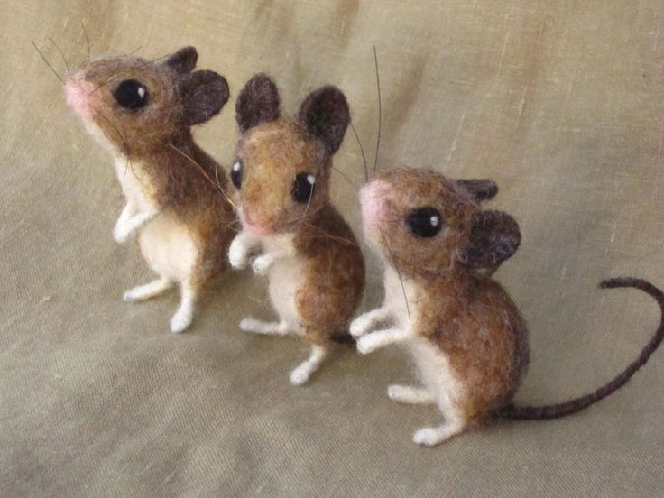 pattern for felt mouse | The Amazing Needle Felted Animals of Hannah Stiles