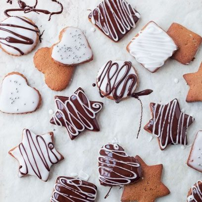 Lebkuchen. Traditional German Christmas cookies. Homemade festive biscuits make the perfect Christmas gift. Visit www.redonline.co.uk for recipe.