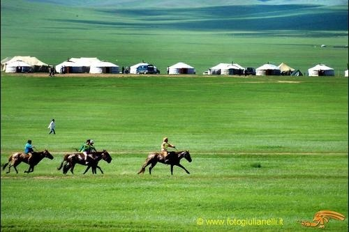 Art Mongolia #Mongolia mongoliaMongolia Travel Deserts, Buckets Lists, Mongolia Mongolia, Horses Mongolia, Beautiful Country, Dreams Boards Travel, Beautiful Places, Anthropologist Dreams, Art Mongolia