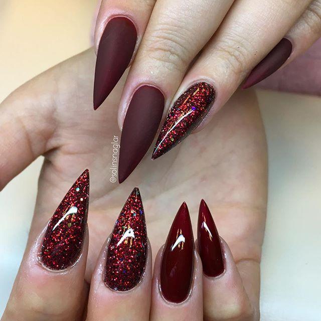 """""""Vamp Red"""" i både matt och glans med rött egenblandat glitter #lillynails"""