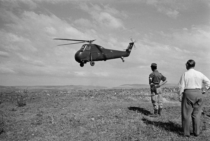© Raymond Depardon/Magnum Photos ALGERIAN WAR.