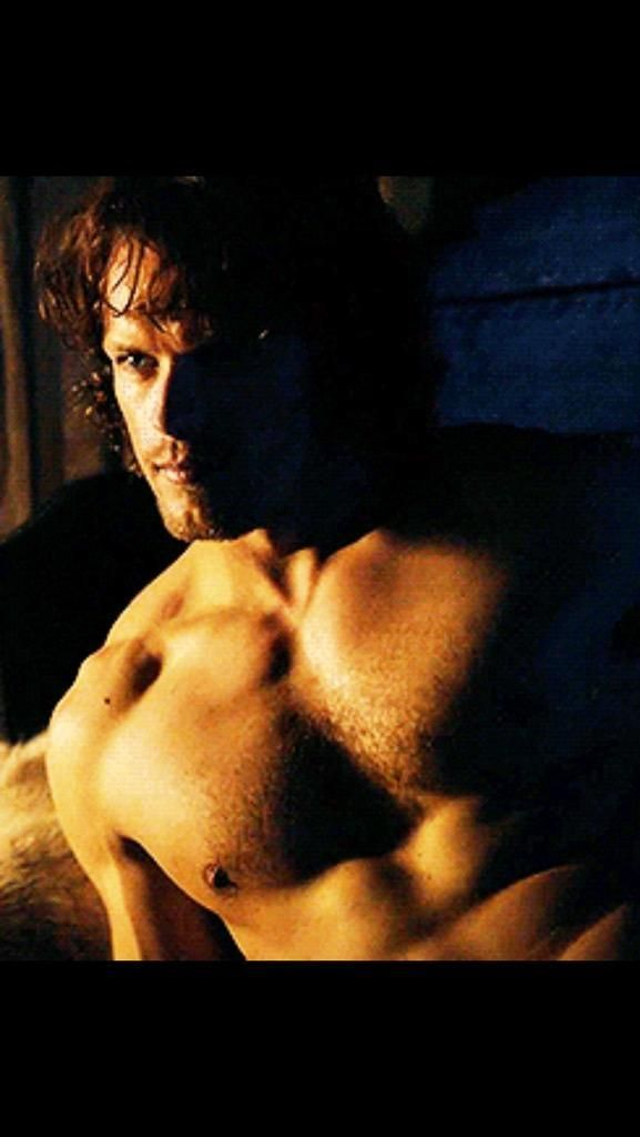 """@veilsrus: @Londoner38 @BonnyPortmore @Sheugs @nita9669 I'm only human."" And @SamHeughan is a G O D #HIAMP"