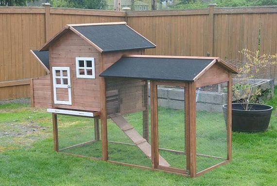 DIY+Chicken+Coop+Lodge+style+for+4-6+Hens+by+myurbanfarmers