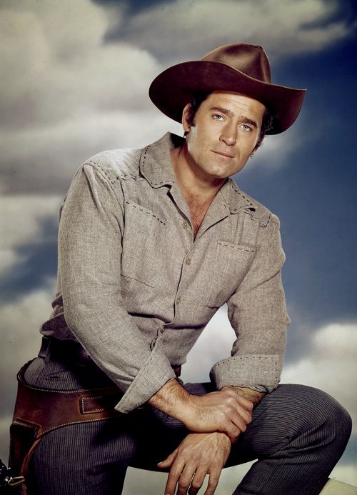 Clint Walker returns as Cheyenne Bodie for Cheyenne The Complete Sixth Season (1961-62)
