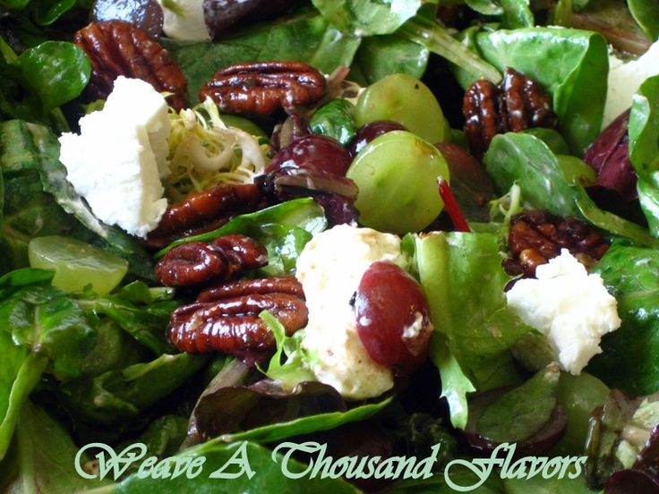Mixed Greens with Grapes, Goat Cheese, Candied Pecans & Balsamic ...