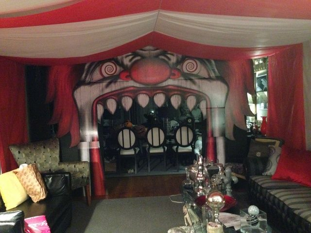 wow fantastic indoor decorating on halloween forum