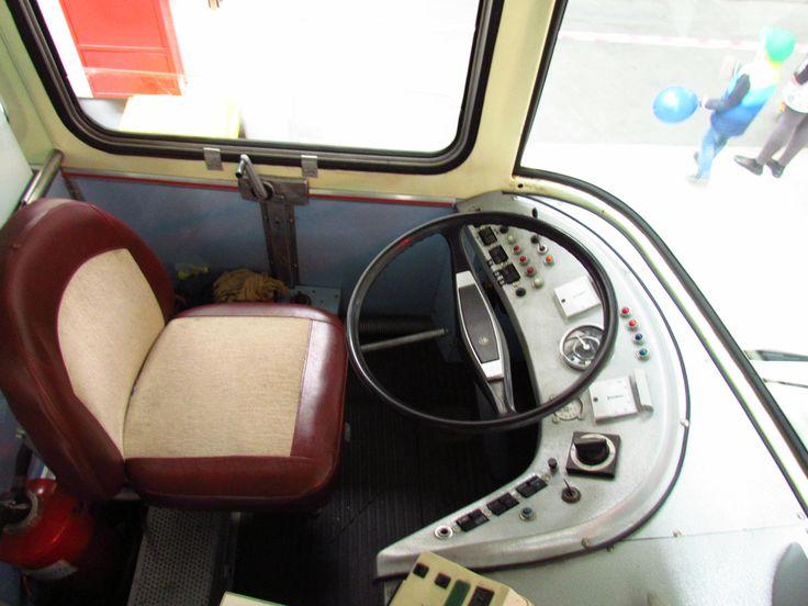 Zwiedzanie zajezdni trolejbusowej w Gdyni - szoferka trajtka