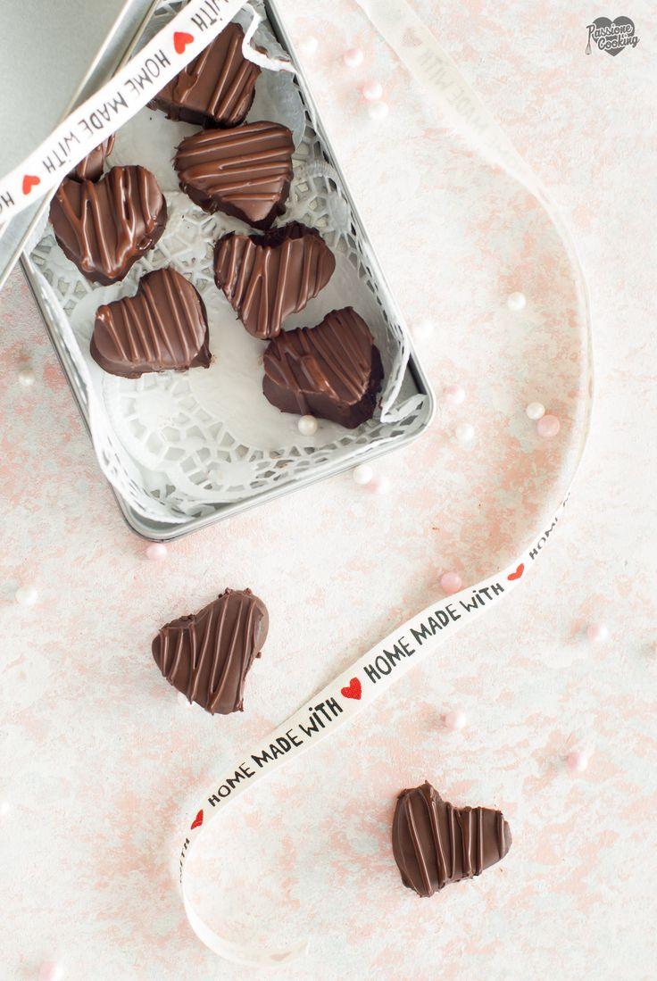 Cioccolatini fatti in casa senza stampo Herzschokoladen