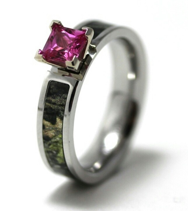 Camo engagement ring with pink diamond.