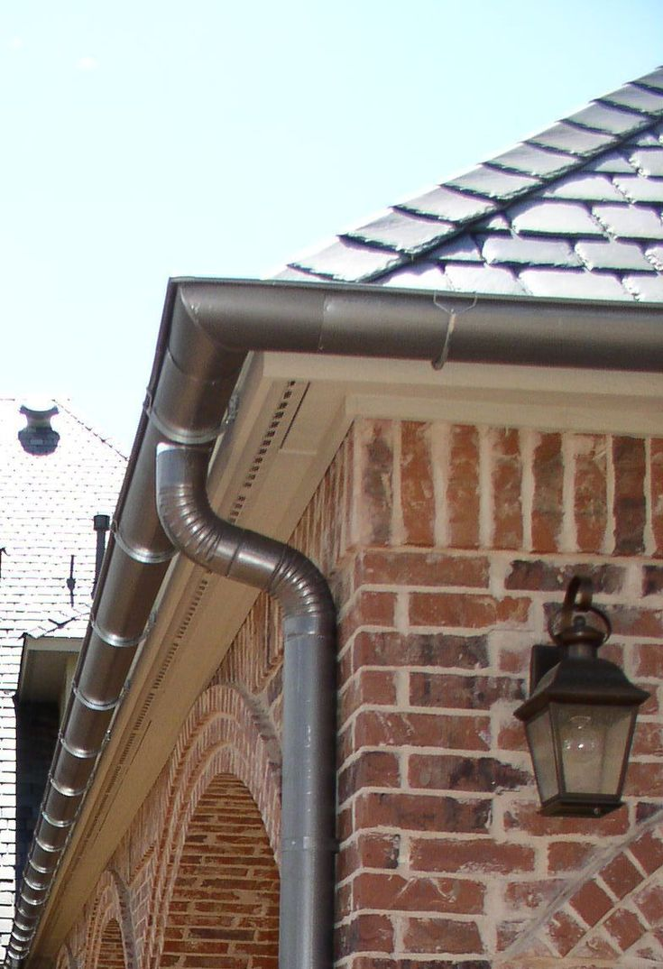 how to put up roof gutters