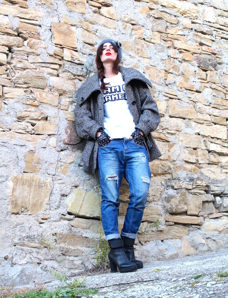 #denim #ootd #winter #gloves #tshirt #streetstyle