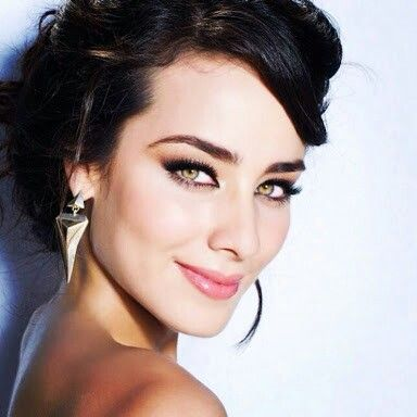 Love her sparkle eyes! Esmeralda Pimentel beauty queen and actress