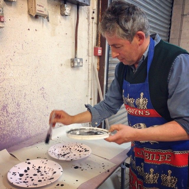 Ever wondered how the Splatter pattern is achieved? Stick your apron on (or some old clothes) and go wild! #EmmaBridgewater #Pottery