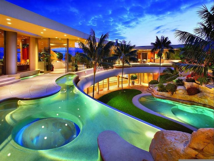 The Best Design Of Big Mansion With Pool For Your Modern House Decoration Idea: 15 Heavenly Beautiful Luxury Mansions With Pools With Nice Design #modernpoolheavens #bigmodernmansion