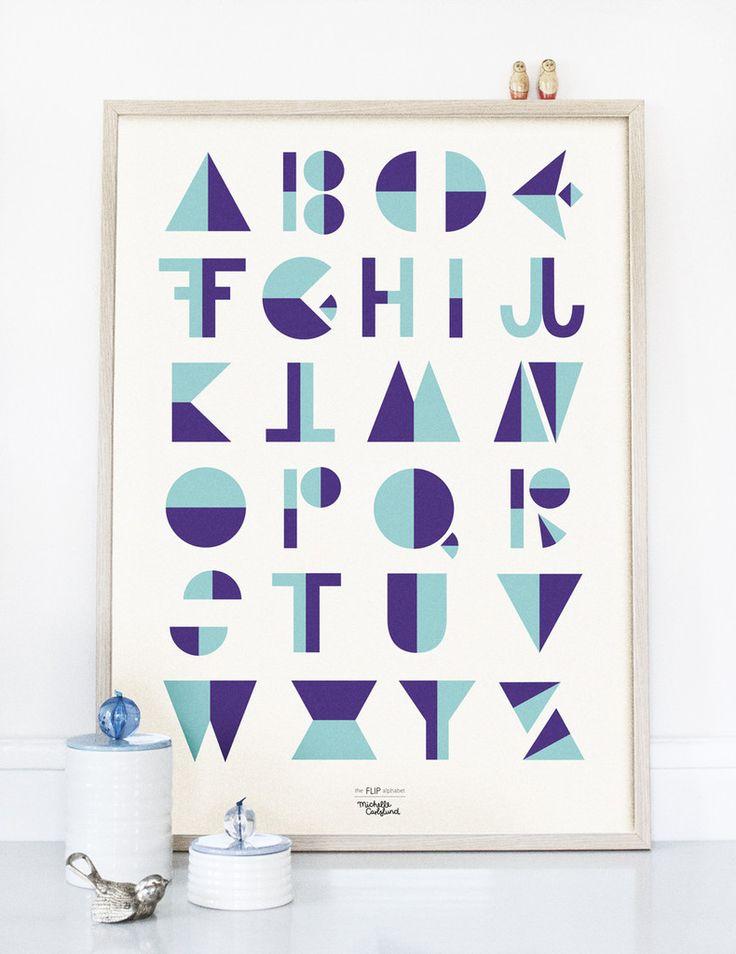 Moderne og stilet Flip alfabet plakat. Den fine illustration fra Michelle Carlslund vil passe fint ind i både stuen, soveværelset eller børneværelset.