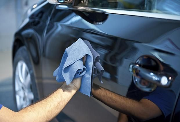 Lavar tu auto de manera diferente nunca fue tan fácil...