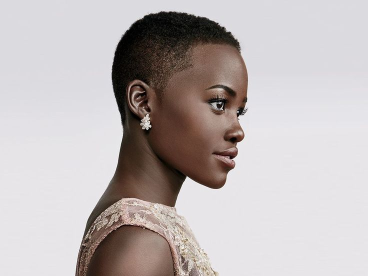 Cheveux courts femme noir Coiffures pour cheveux