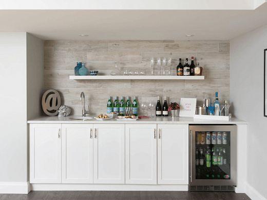 Домашний бар в любой дом  Первое, что надо решить, где поставить домашний бар. Чаще всего домашний бар устанавливают на кухне, в столовой, в подвалах или гостиных. Везде, где можно собрать гостей и показать свои навыки бармена.