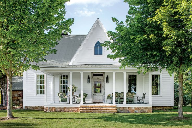 Best 25 mountain cottage ideas on pinterest cabins and for Cottage charm farmhouse
